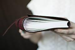 Papiernictvo - Ručne viazaný kožený zápisník Marika / notová osnova - 7580940_