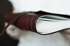 Papiernictvo - Ručne viazaný kožený zápisník Marika / notová osnova - 7580941_