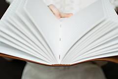 Papiernictvo - Ručne viazaný kožený zápisník Marika / notová osnova - 7580993_