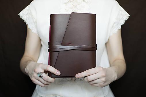 Ručne viazaný kožený zápisník Marika / notová osnova