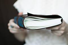 Papiernictvo - Ručne viazaný kožený zápisník Martin / linajkové strany - 7581993_