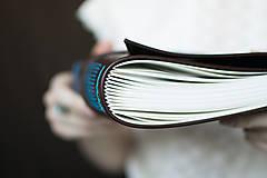 Papiernictvo - Ručne viazaný kožený zápisník Martin / linajkové strany - 7581995_