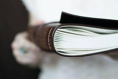 Papiernictvo - Ručne viazaný kožený zápisník Teodor / linajkové strany - 7582010_