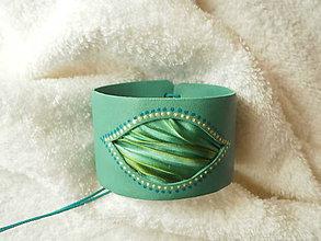 Náramky - Náramok koženo-textilný, zvlnené očko - 7583119_