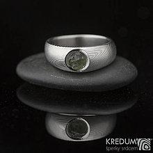 Prstene - Greeneli - Kovaný, zásnubní damasteel prsten a vltavín - 7587512_