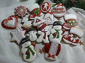 Dekorácie - Vianočne medovníčky  v červenom - 7587914_