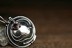 Náhrdelníky - Otvárací medailón z