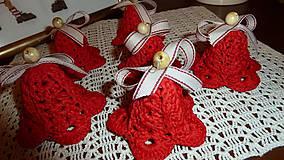 Dekorácie - Háčkované červené zvončeky - 7586197_