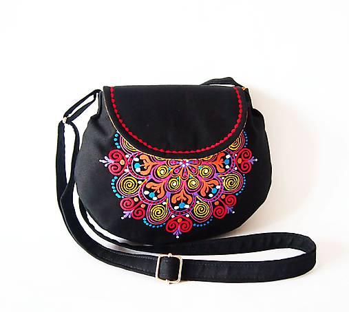 Malá čierna kabelka s farebnou mandalou   DARTASKA - SAShE.sk ... 7155a1e9591