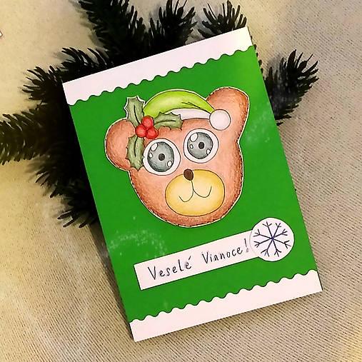 Vianočná pohľadnica macko (s imelom)