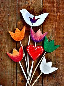 Dekorácie - Zápich - holubica/ tulipán/ srdce z dreva - 7593750_