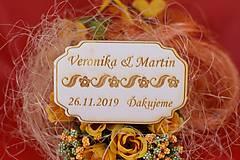 Darčeky pre svadobčanov - Drevená svadobná magnetka ako vyslužka hosťom  81 - 7593086_