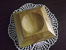 Iné doplnky - Popolník z dreva