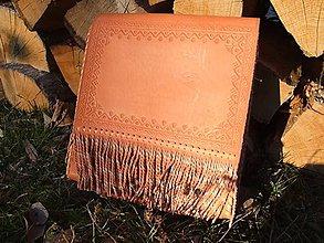 Veľké tašky - Kožená kapsa so strapcami - 7597795_