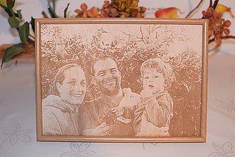 Obrazy - Gravirovanie fotografie na želanie 13x18cm fotoportrét - 7600733_