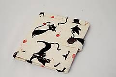 Malá detská peňaženka s čiernymi mačičkami