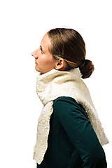 Šály - Dámsky vlnený šál, ručne plstený z jemnej Merino vlny, biely, huňatý, pléd, zimný šál, šál z plsti - 7601910_