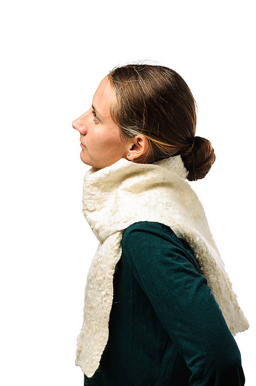 Dámsky vlnený šál, ručne plstený z jemnej Merino vlny, biely, huňatý, pléd, zimný šál, šál z plsti