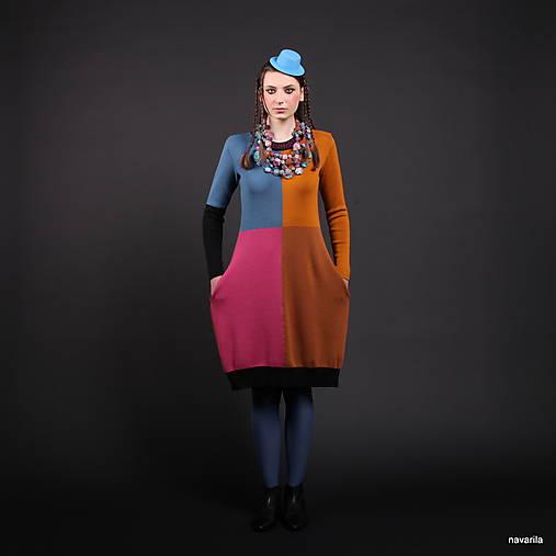 DIVA - čtyřbarevné svetrošaty s kapsami