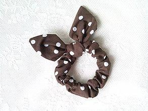Ozdoby do vlasov - Mini scrunchie (brown/white polka dots) - 7604752_