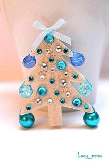 Odznaky/Brošne - Brošnička Vianočný stromček-modrý :) - 7605021_