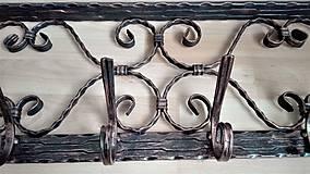 Nábytok - Kovaný vešiak s policou - 7606422_