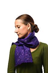 Šály - Dámsky vlnený šál z Merino vlny, ručne plstený, fialový, huňatý - 7608243_