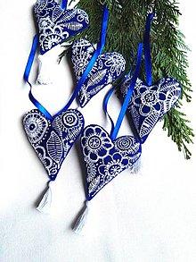 Dekorácie - Vyšívané na modrom - 7607920_