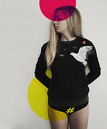 Mikiny - Maľovaná mikina holubica v oblakoch - 7611974_