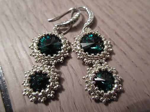 Visiace náušnice  Smaragdové oči    Milayla - SAShE.sk - Handmade ... b42e7849f70