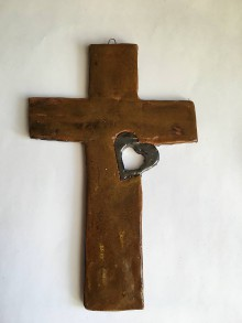 Dekorácie - krížik so srdiečkom - 7615577_