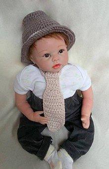 Detské čiapky - Klobúčik s kravatou - 7619999_