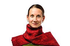 Šály - Dámsky vlnený šál z Merino vlny, ručne plstený, odtiene červenej, huňatý - 7619340_