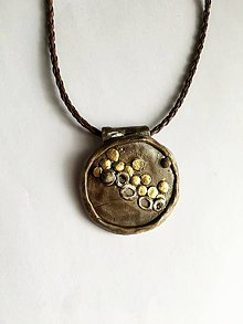 Náhrdelníky - prívesok so zlatými peniažtekmi - 7623686_