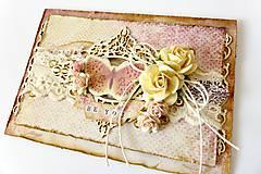 Papiernictvo - pohľadnica s motýľom - 7624887_