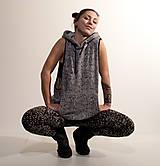 Iné oblečenie - šedá teplá vesta s potlačou pleteniny - 7634250_