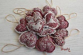 Dekorácie - srdiečka s bordovou - 7637166_