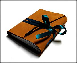 Papiernictvo - Kožený zápisník v škoricovo-oranžovom prevedení so stuhou A6 - 7645088_