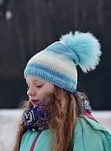 ZĽAVA z 10,50 - Melírovaná pletená čiapka s kožušinovým brmbolcom