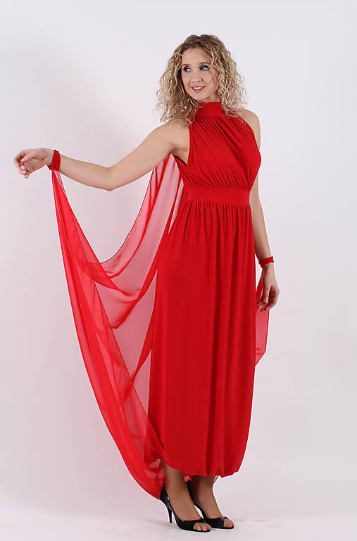 Červené večerní šaty s vlečkou   ladeesse - SAShE.sk - Handmade Šaty eacd06d00b2