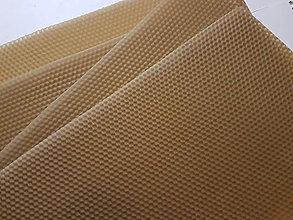 Suroviny - Prírodný včelí vosk-medzistienky - 7651548_