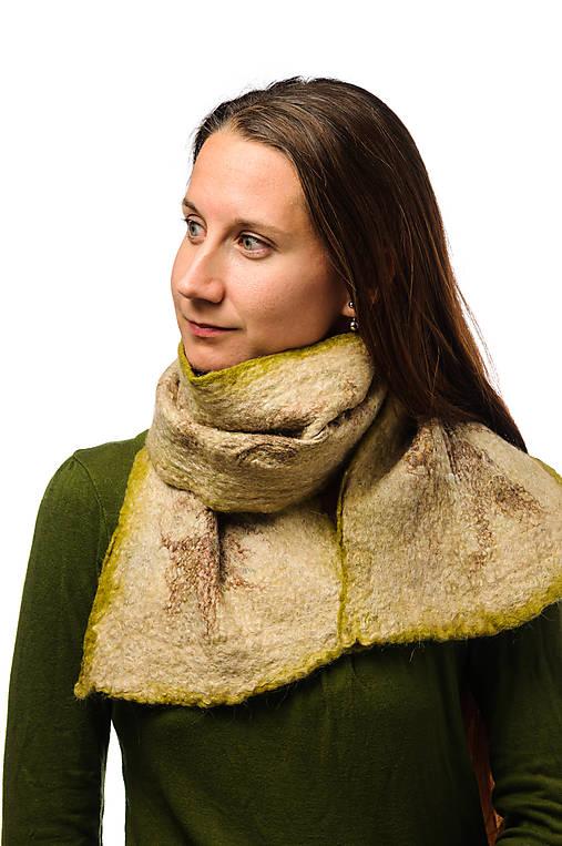 Dámsky vlnený šál, ručne plstený z jemnej Merino vlny a Alpaky, zeleno-béžový, zimný šál, šál z plsti, nunoplstený šál