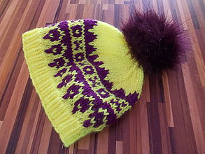 Čiapky - Pletená čiapka s nórskym vzorom a brmbolcom - 7649855_