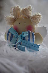 Anjel srdiečko v modrom