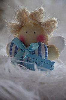 Dekorácie - Anjel srdiečko v modrom - 7649140_