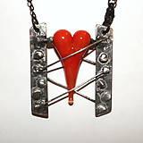 Náhrdelníky - V zajatí lásky - 7650435_