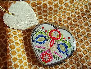 Zrkadielka - Zrkadielko srdiečkové s folklórnou výšivkou - 7648713_