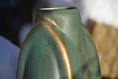 Dekorácie - Váza zelená, medienková .... kúsok gotiky :o)). - 7652511_