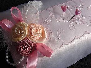 Úžitkový textil - poduška pod obrúčky - 7653293_