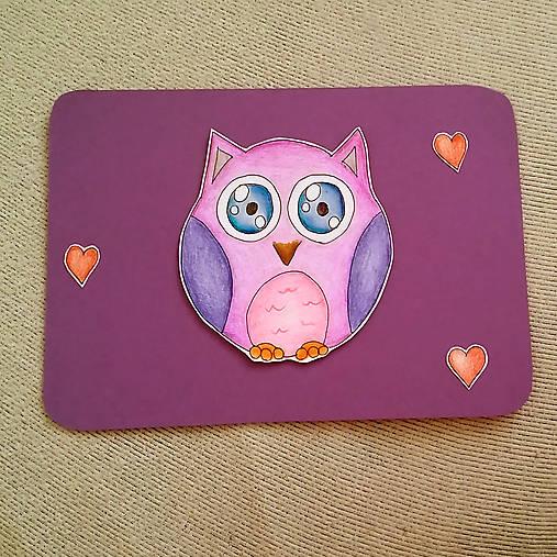 Farebná oblá zvieracia valentínska pohľadnica - sova